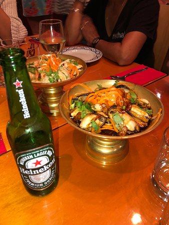 Mangonui, Nya Zeeland: Garlic Mussels & Green Mussels
