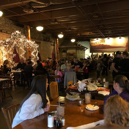 Babe's Chicken Dinner House: photo1.jpg
