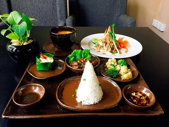 Candi Restaurant Siem Reap: Khmer set meal