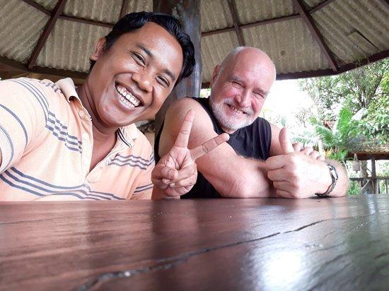 Lovina Beach, Indonesien: me and theo