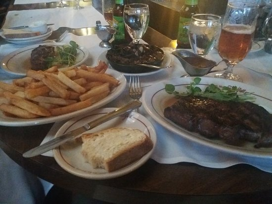 Musso & Frank Grill: 20180324_185144_large.jpg
