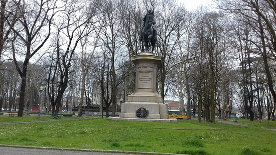 Carpi, Italie : Statua del generale