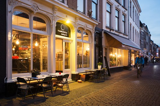 Color Kitchen Utrecht.The Colour Kitchen Utrecht Oudegracht 214 Restaurant Reviews
