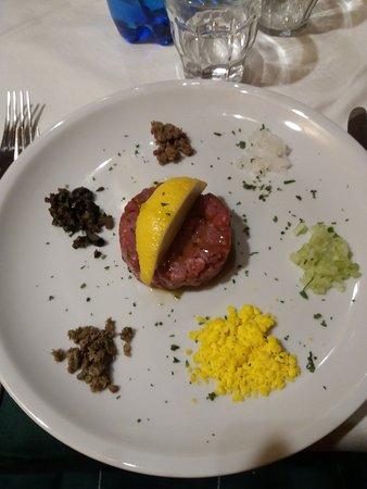 Piazzatorre, إيطاليا: Tartar di Angus con sapori