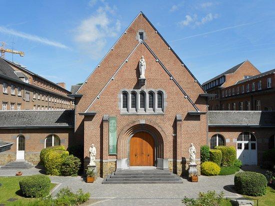 Couvent des Soeurs de Notre-Dame (Convent of the Sisters of Notre-Dame)