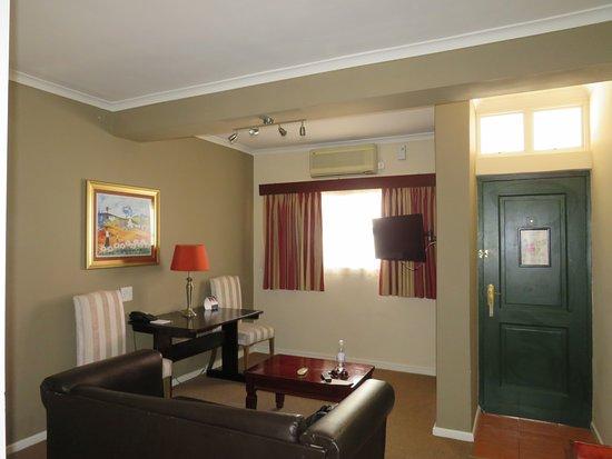โรงแรมเบสท์เวสเทิร์นเคปสวีทส์: Loungeroom