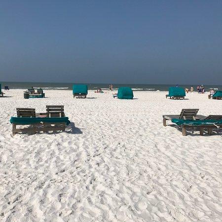 Outrigger Beach Resort: photo1.jpg