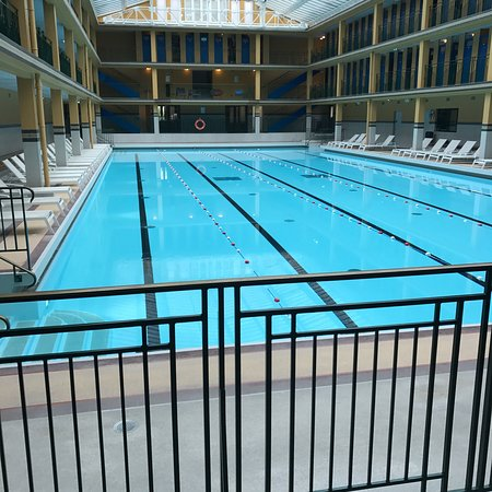 Piscine molitor paris france updated 2018 top tips for Piscine molitor restaurant