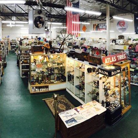 Palmer, MA: Yankee Flea Market