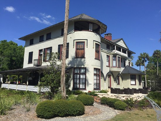 DeLand, FL: learn why this is half a house!