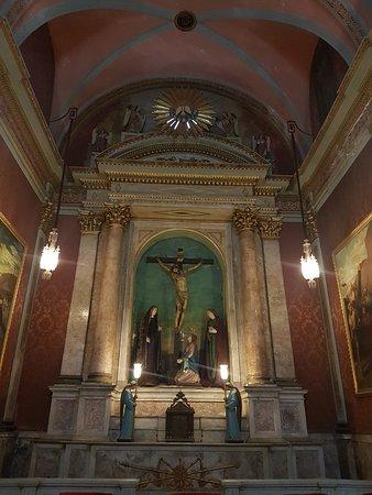 Iglesia Y Convento De La Merced : Altars