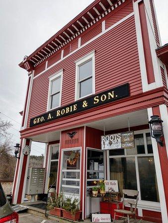 Hooksett, NH: Front entrance
