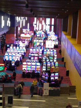 What Type of Games Are Available at On the net Casinos?
