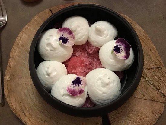 Montigny-sur-Loing, Frankrike: Allure de printemps : dessert exquis !