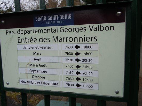 La Courneuve, ฝรั่งเศส: Horaires du parc