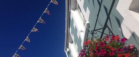 The Victoria Hotel: Alderney sunshine