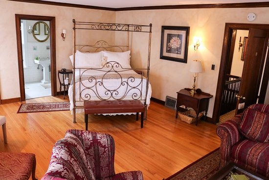 A' Tuscan Estate Bed & Breakfast: Tuscan Suite
