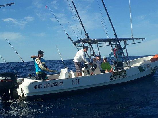 Omar's sportfishing: Omar´s sportfishing in action!!