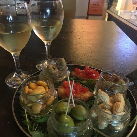 Spuzzule Wine Bar照片