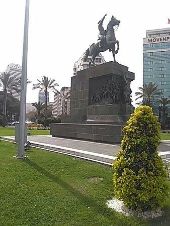İzmir İli, Türkiye: Cumhuriyet Meydanı