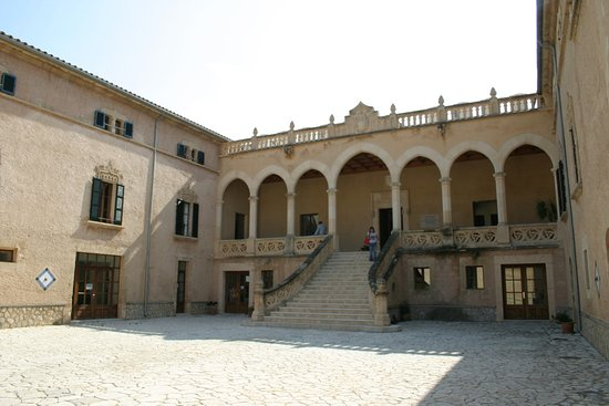 Ajuntament d'Andratx Innenhof