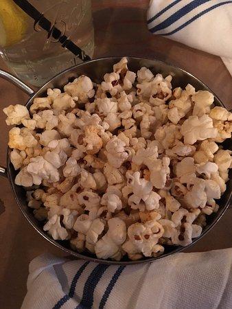 Plantsville, كونيكتيكت: Popcorn