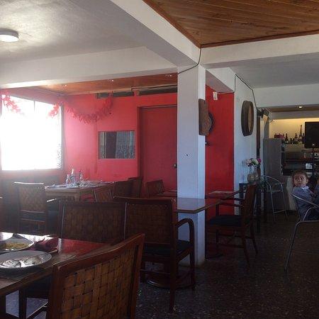 """Las Cruces, ชิลี: """"Yupanqui"""" por el interior."""
