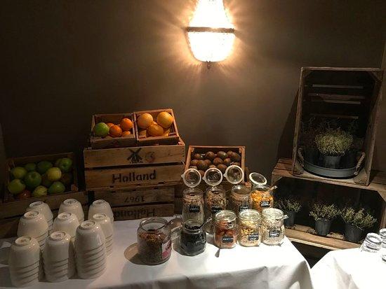 Hilton Royal Parc Soestduinen: Breakfast spread