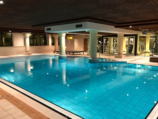 Hilton Royal Parc Soestduinen: The indoor pool