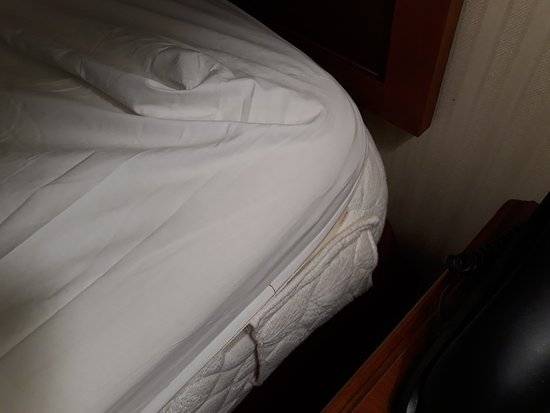 Linen Too Short Comparing To Mattress Size Picture Of Hilton