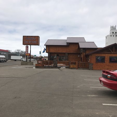 Windom, MN: Duffy's Bar & Grill