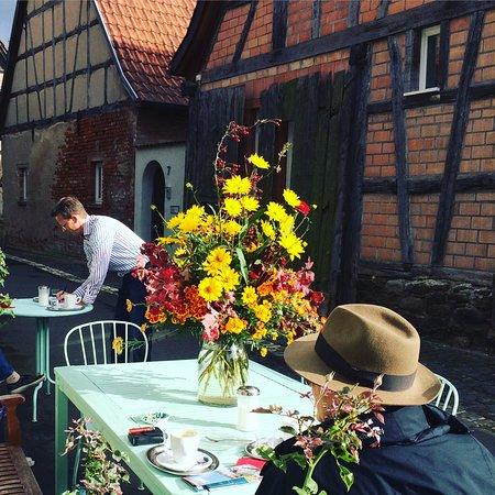 Koenigsberg in Bayern, ألمانيا: Spätsommer im Kunsthandwerkerhof