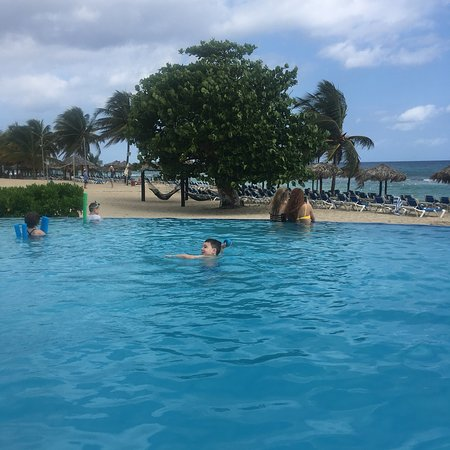 """Exceeded a """"perfect family vacation"""""""