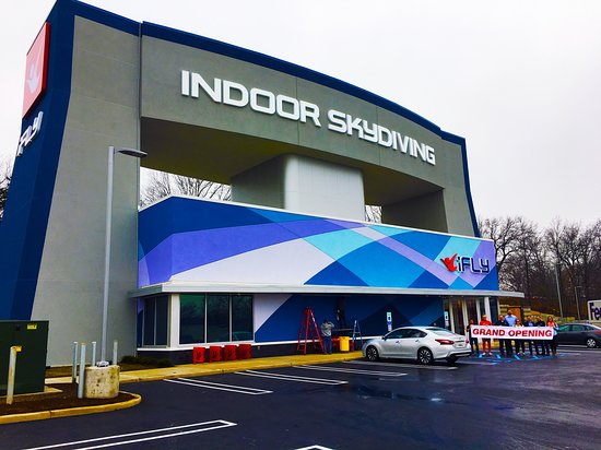 iFLY Indoor Skydiving - Paramus