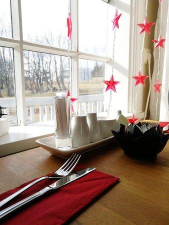 Laugarvatn Food Guide: 6 Must-Eat Restaurants & Street Food Stalls in Laugarvatn
