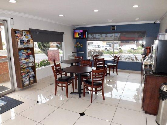 Breakfast Dining Area Picture Of Days Inn Suites By Wyndham San Diego Sdsu La Mesa Tripadvisor