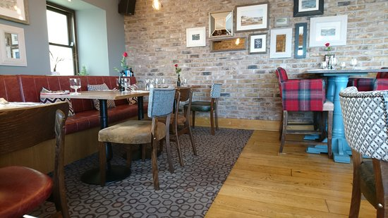 Restaurant interior picture of the crows nest st peter