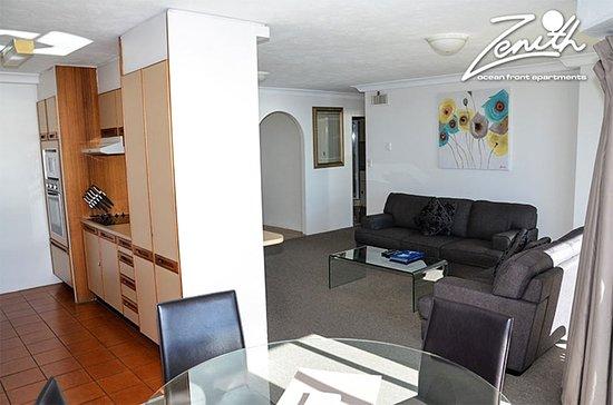 Zenith apartments surfers paradise gold coast australia apartment reviews photos price for Cheap 2 bedroom apartments gold coast