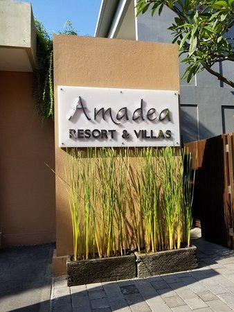 Amadea Resort & Villas: 20180330_175139_large.jpg