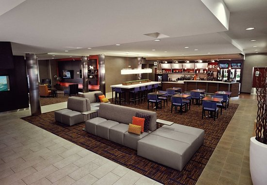Welcome to Courtyard by Marriott Cleveland Elyria