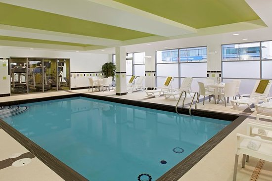 Fairfield inn suites toronto mississauga updated 2018 for Pool show mississauga