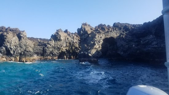 Blue Water Rafting: Sea Caves on the Kanaio Coast of Maui