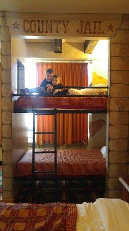 Fantasyland Hotel & Resort: 20180325_133012_large.jpg