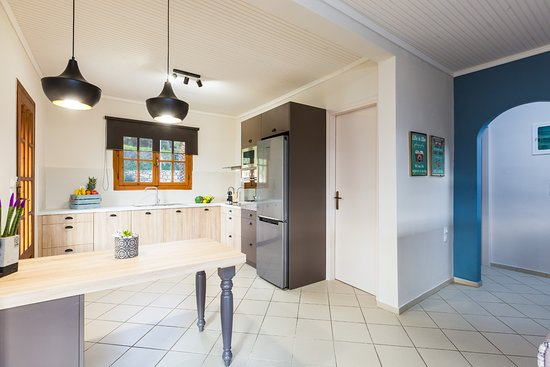 Adele, Grecia: Fully equipped kitchen with all the dishes and utensils!