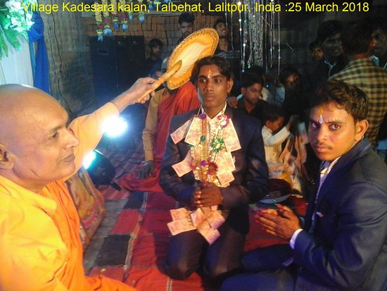 Lalitpur District, Ινδία: Dhamma Activities in Kadesara kalan, Talbehat, Lalitpur, India