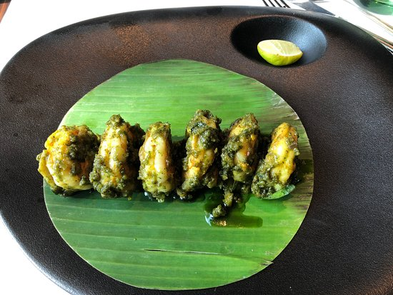 Cafe Mercara Express: Karuvapilai Yera. Bay prawns tossed with curry leaf, green chilli and shallots
