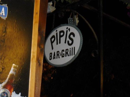 Fogo, Cape Verde: Sao Filipe, hier in Pipi's Bar gibts gutes Essen und lecker Wein