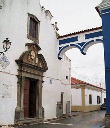 Mourao, Португалия:  Igreja da Misericordia