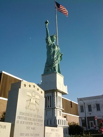 McRae-Helena, GA: Statue of Liberty joins with Liberty Bell for interesting down-home, patriotic attraction as you