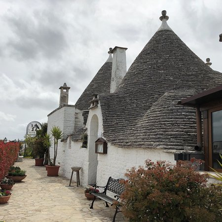 Top 10 restaurants in Alberobello, Italy